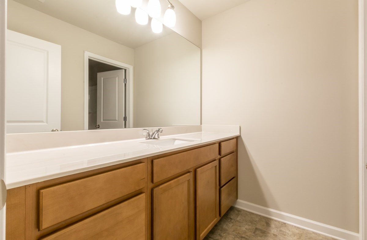 Rabun quick move-in Secondary bathrom with extra counter space
