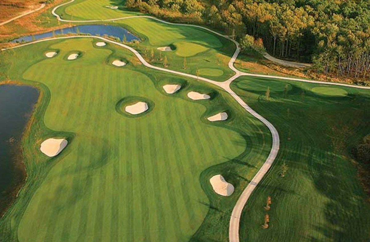 Award-winning Jack Nicklaus Signature Course
