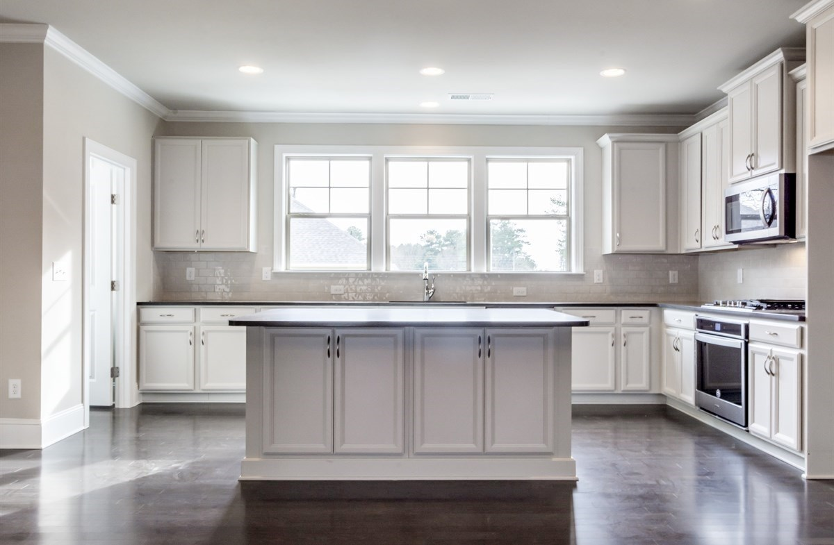 Piedmont quick move-in Kitchen with white subway tile