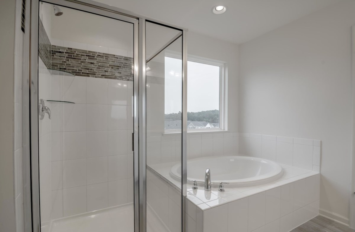 Jefferson quick move-in spacious bathroom