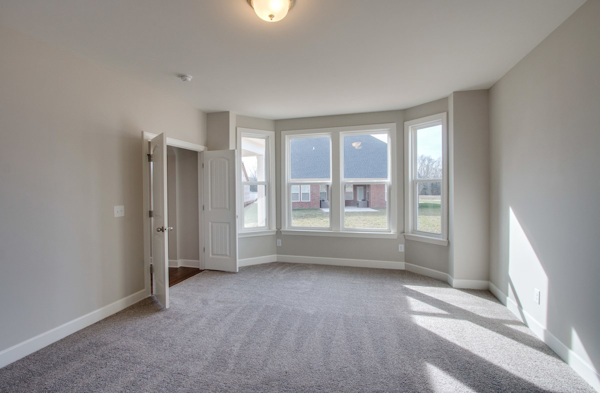 Greenwich quick move-in bay window in master bedroom