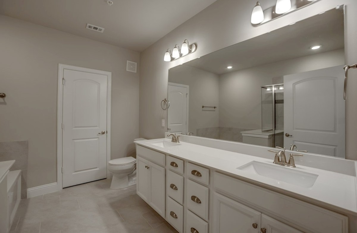 Sherwood quick move-in master bath with separate vanities