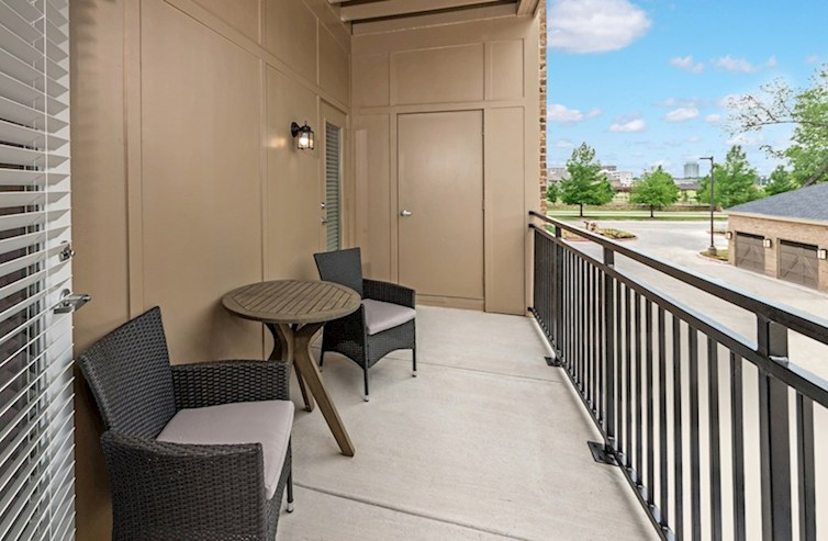 Sherwood private patio with room for furniture