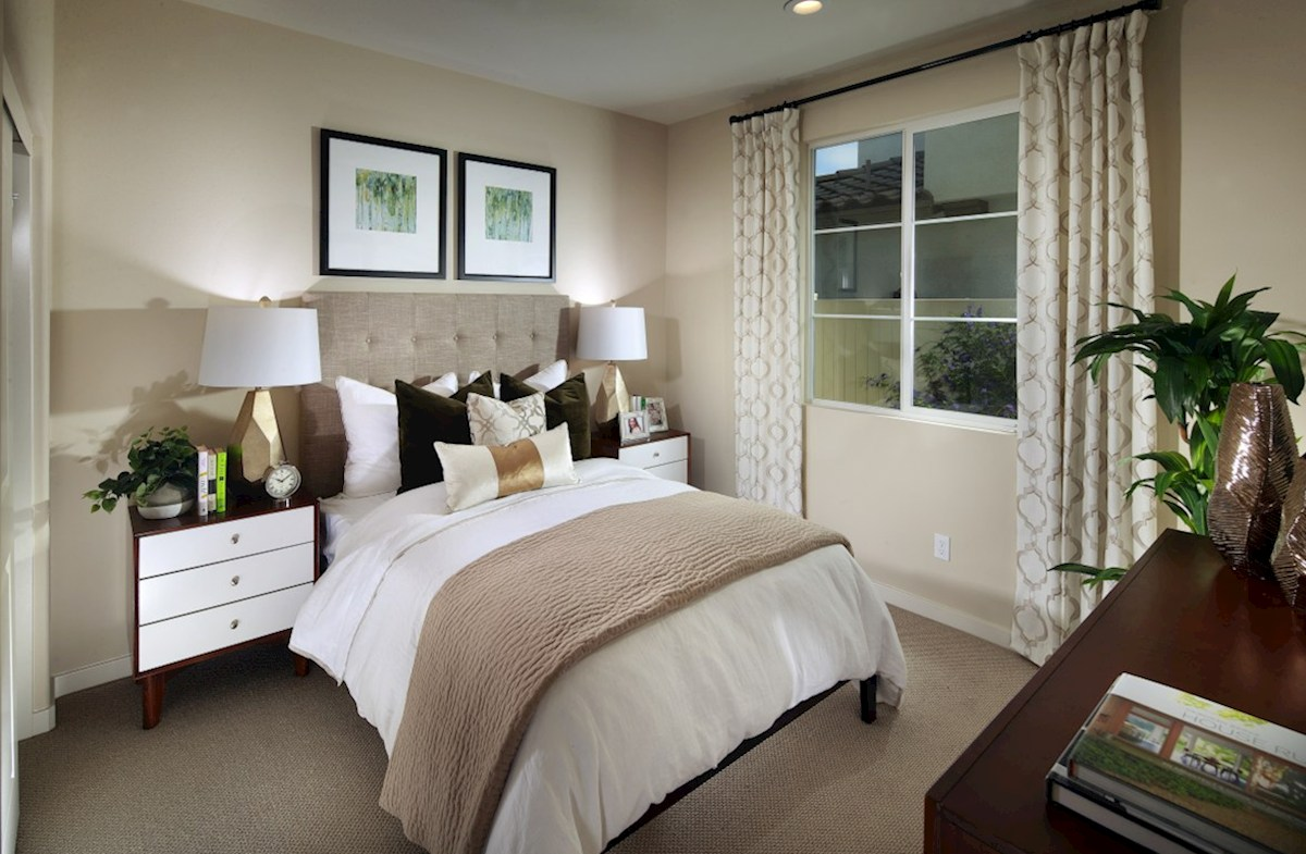 Peony quick move-in spacious bedroom perfect for guests