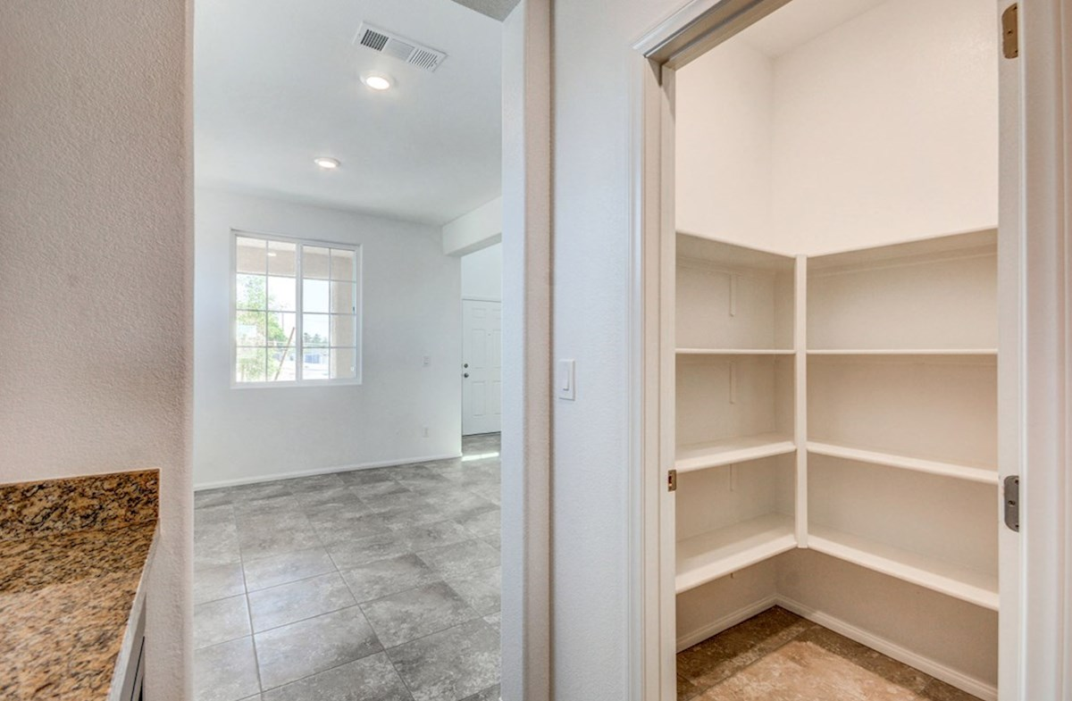 Pembroke quick move-in large walk-in pantry