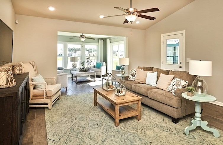 Spring Mill Plantation Camden great room features vaulted ceilings