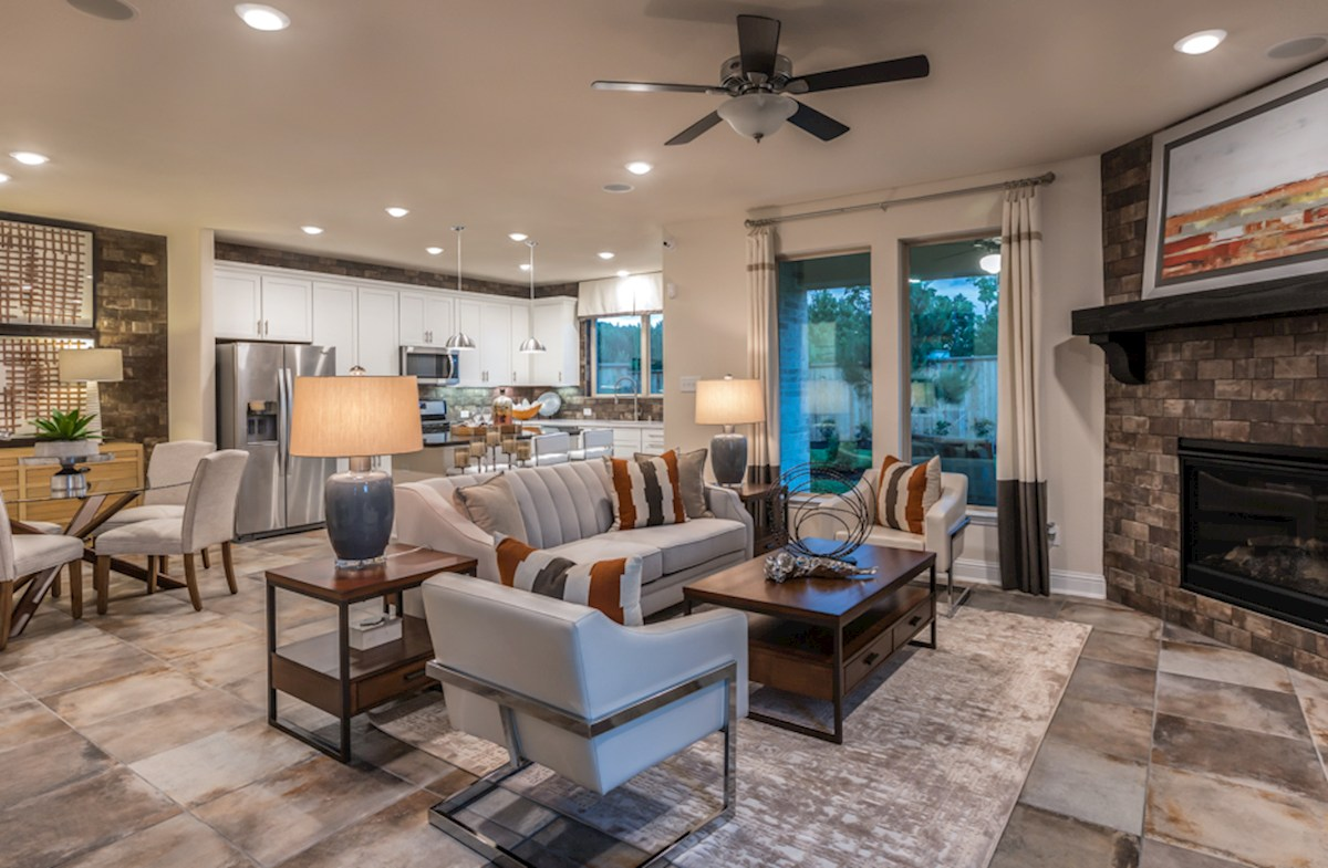 The Woodlands Townhomes Sycamore spacious great room
