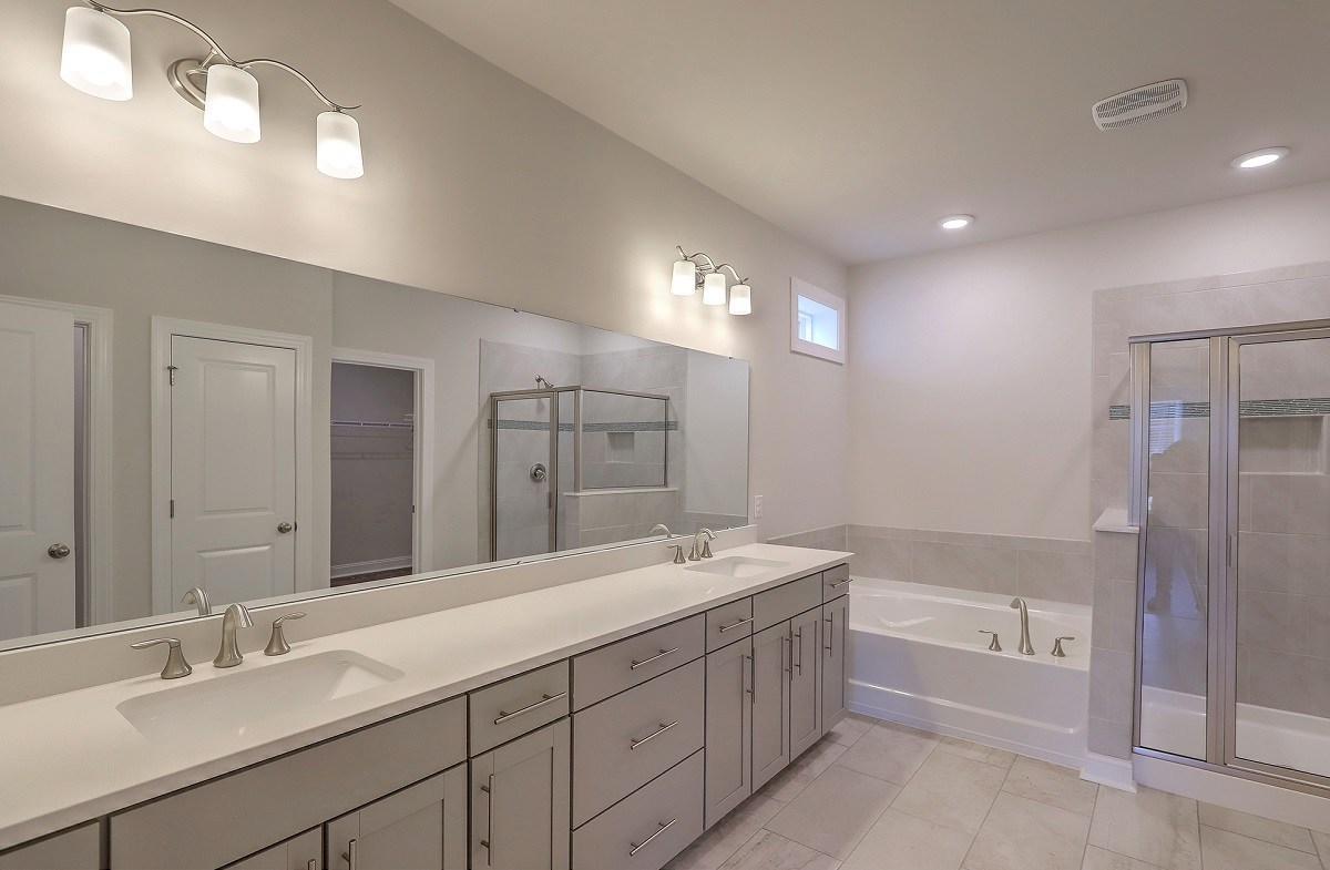 Hickory quick move-in luxurious master bathroom