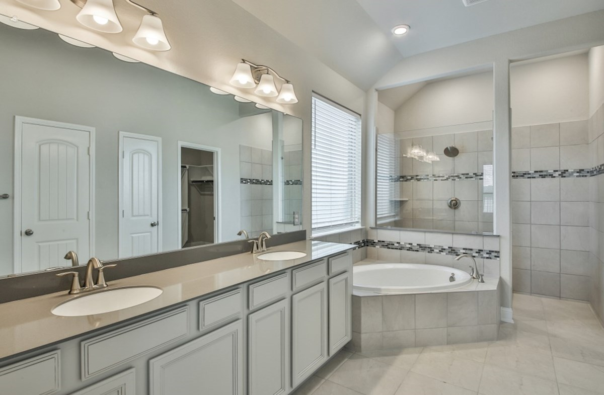 Bandera quick move-in master bathroom with tub and shower
