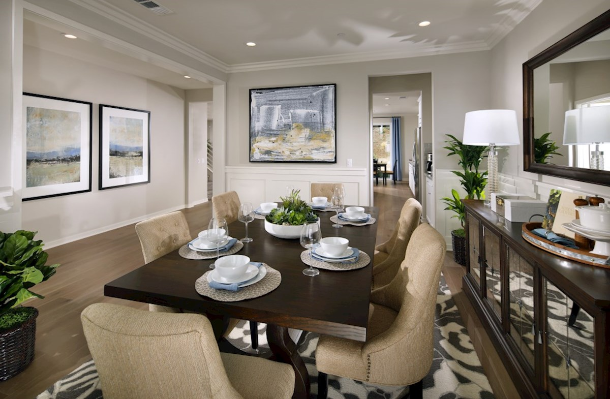 Veranda Ocotillo The elegant formal dining room provides the perfect space for dinner parties or special family occasions.