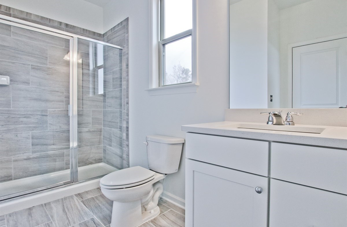 Laurel quick move-in Secondary Bath with stall shower