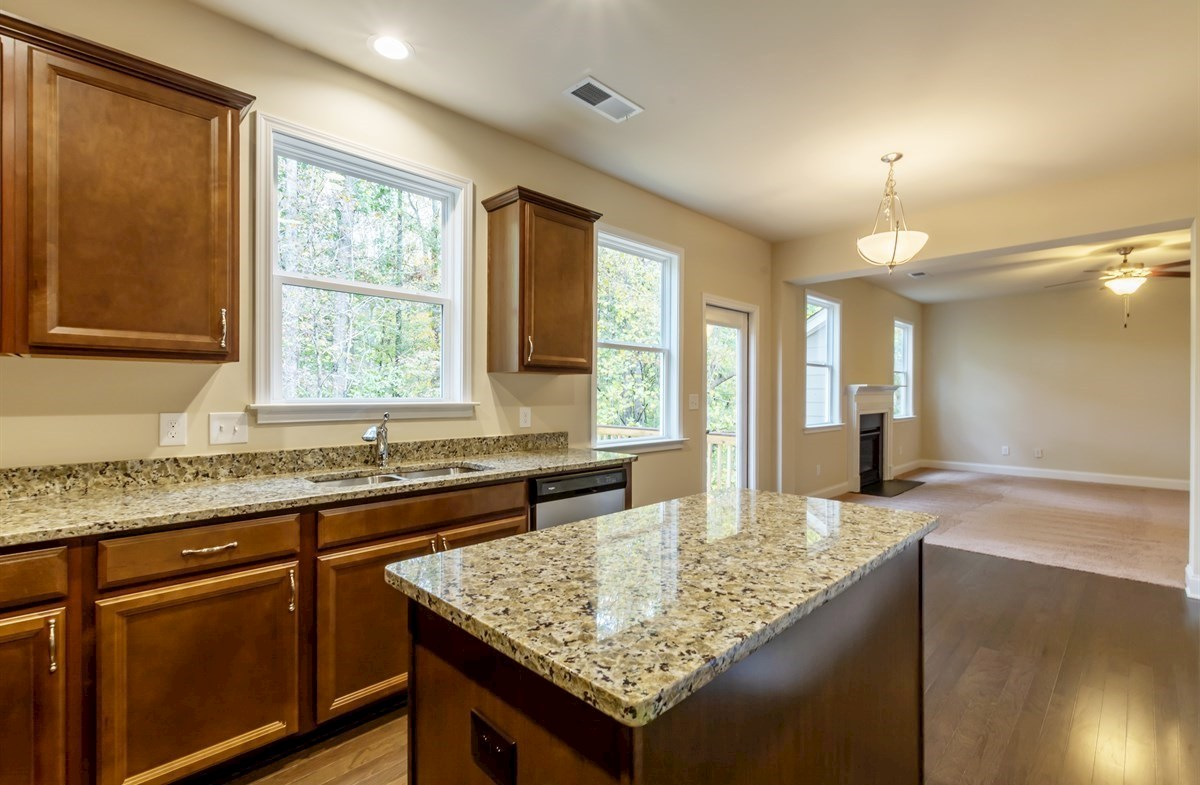 Ridgecrest quick move-in Kitchen with granite countertops