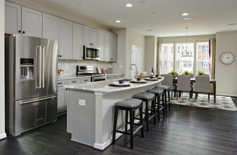 The Preserve at Windlass Run Townhomes Vienna Vienna Kitchen extends to the Dining Room