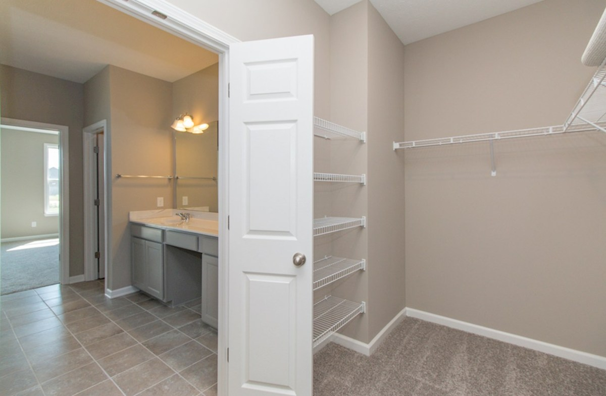 Greenwich quick move-in Enormous master closet