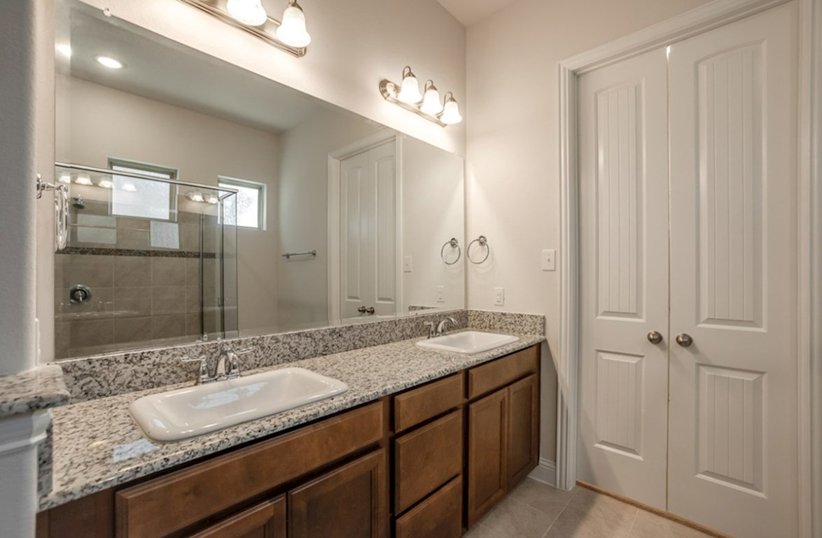 Wimberley quick move-in master bathroom with double sinks