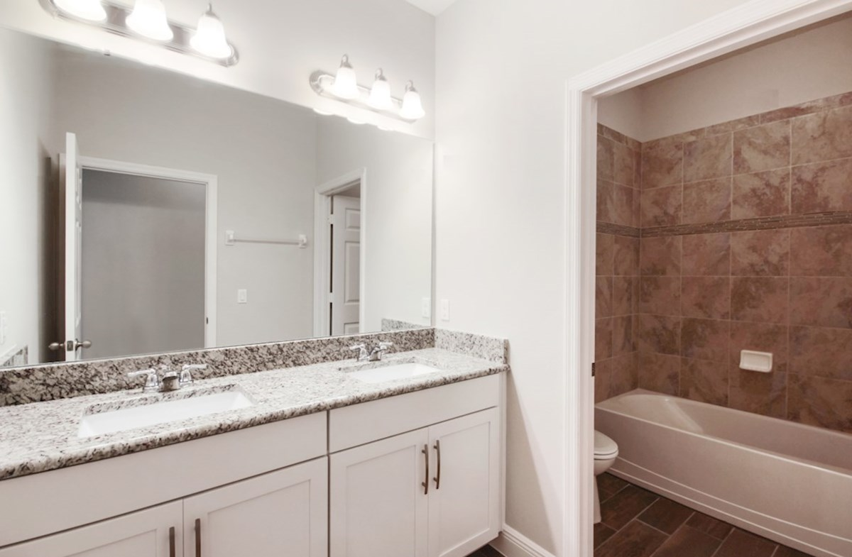 Reserve at Sawgrass Aspen secondary bathroom
