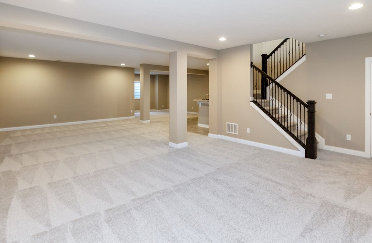 Capitol quick move-in Large finished basement