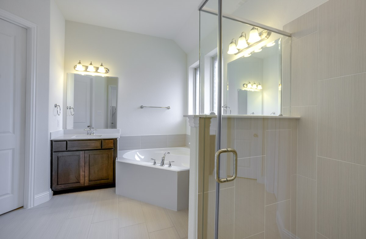 Silverado quick move-in shower and soaking tub