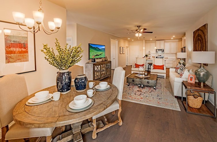 Gatherings® at Westview Clifton open-concept casual dining room and great room