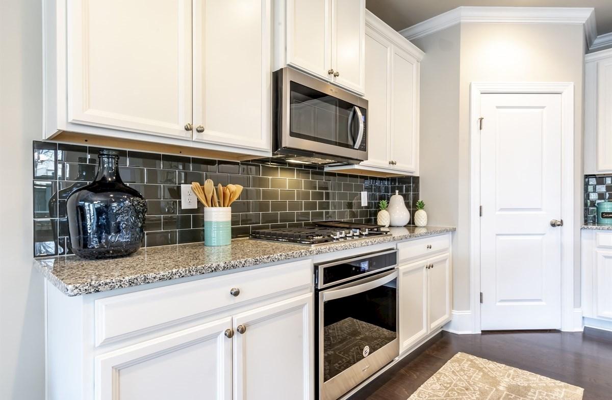 Robinson Park Callaway Kitchen with granite countertops