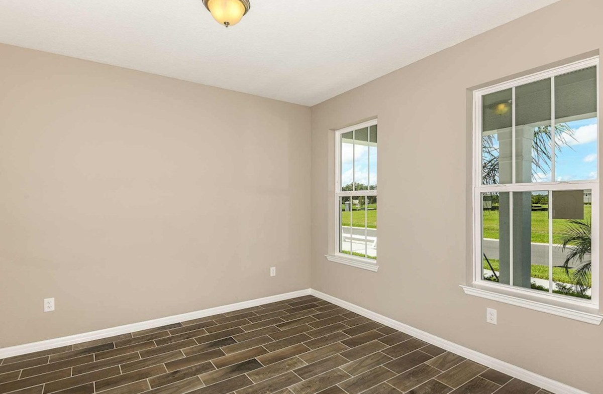 Shoreline quick move-in dining room with wood-look tile