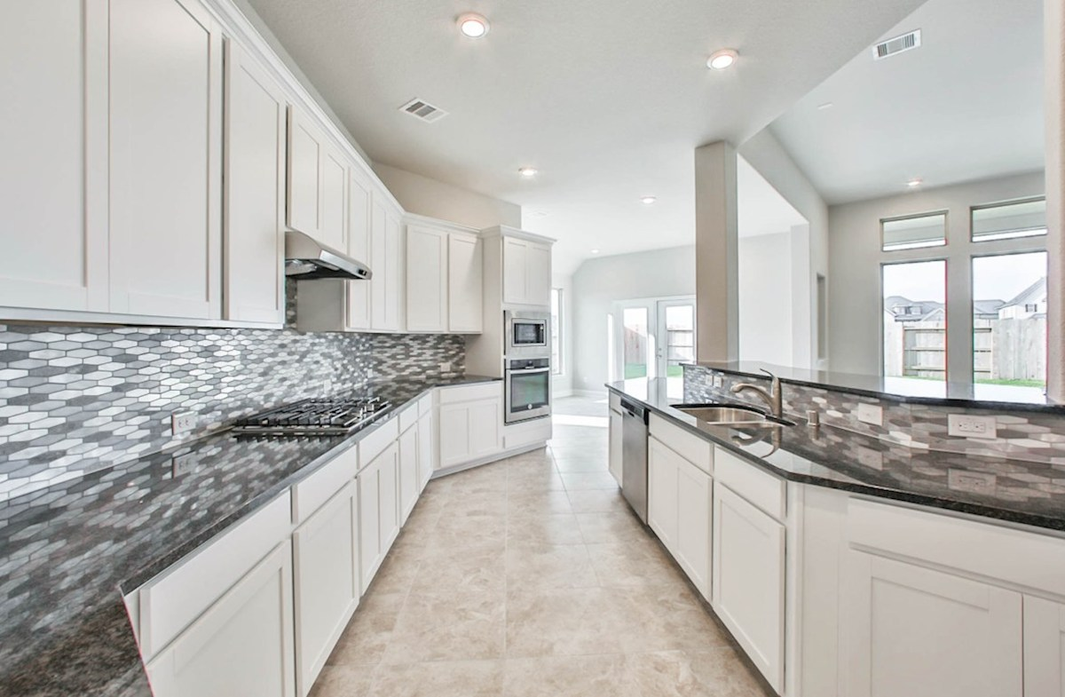 Fredericksburg quick move-in large kitchen with spacious countertops