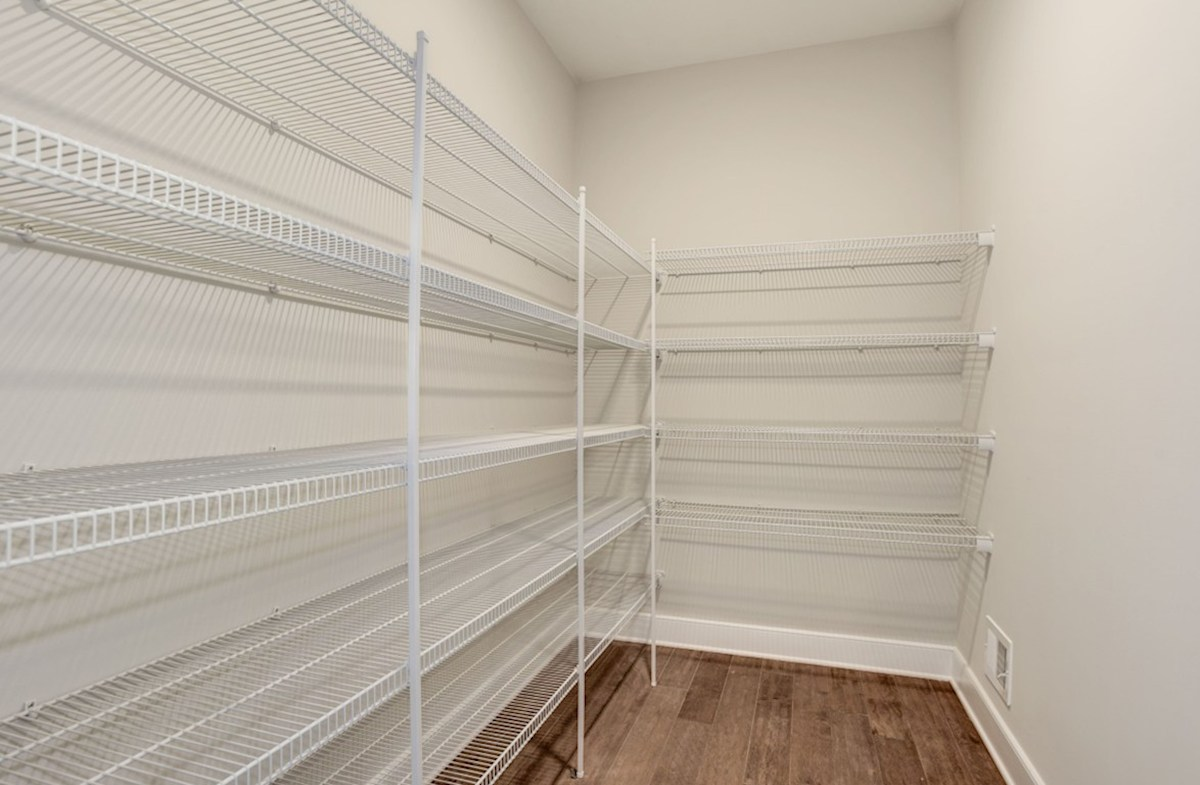Oxford quick move-in expansive pantry