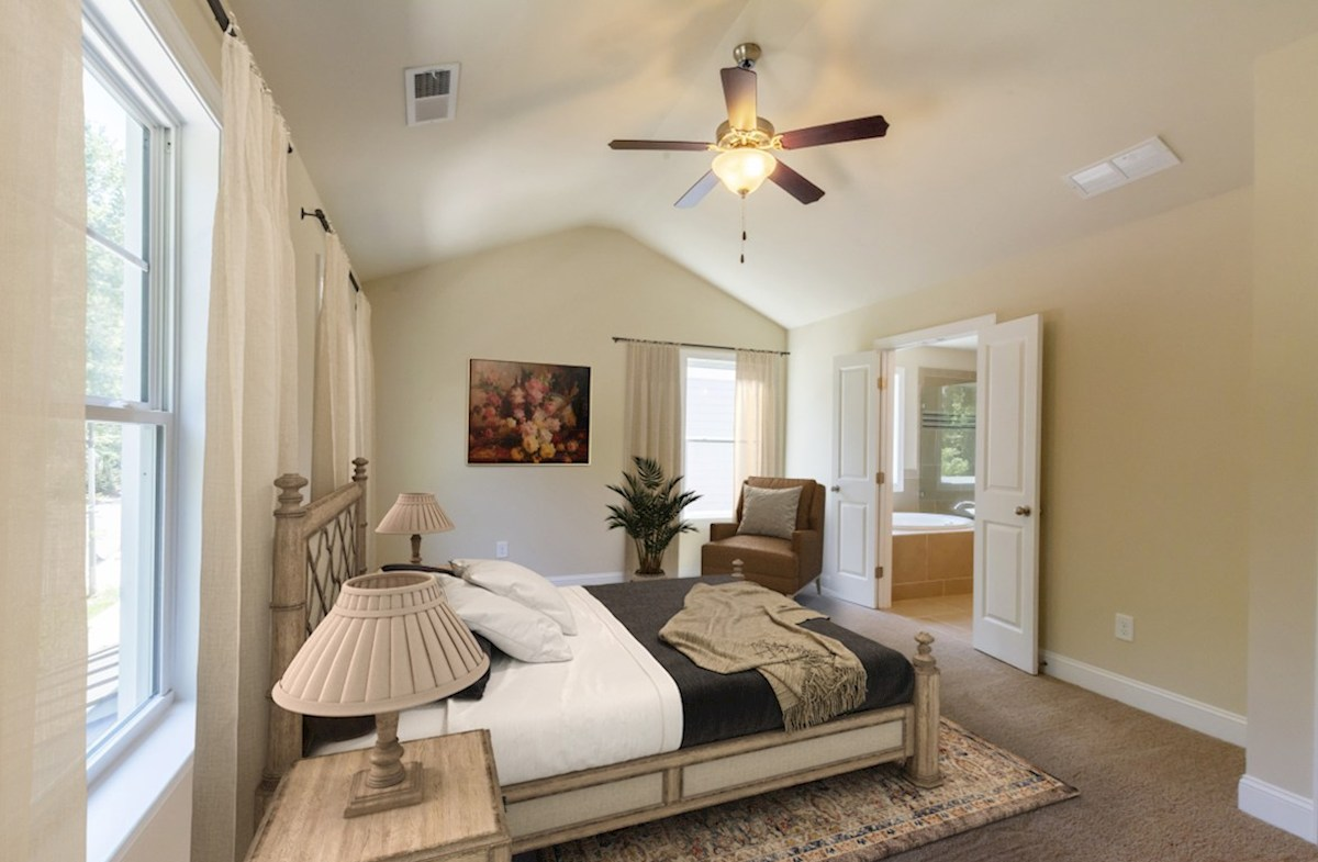 Highland Park Langley Master Bedroom with ceiling fan