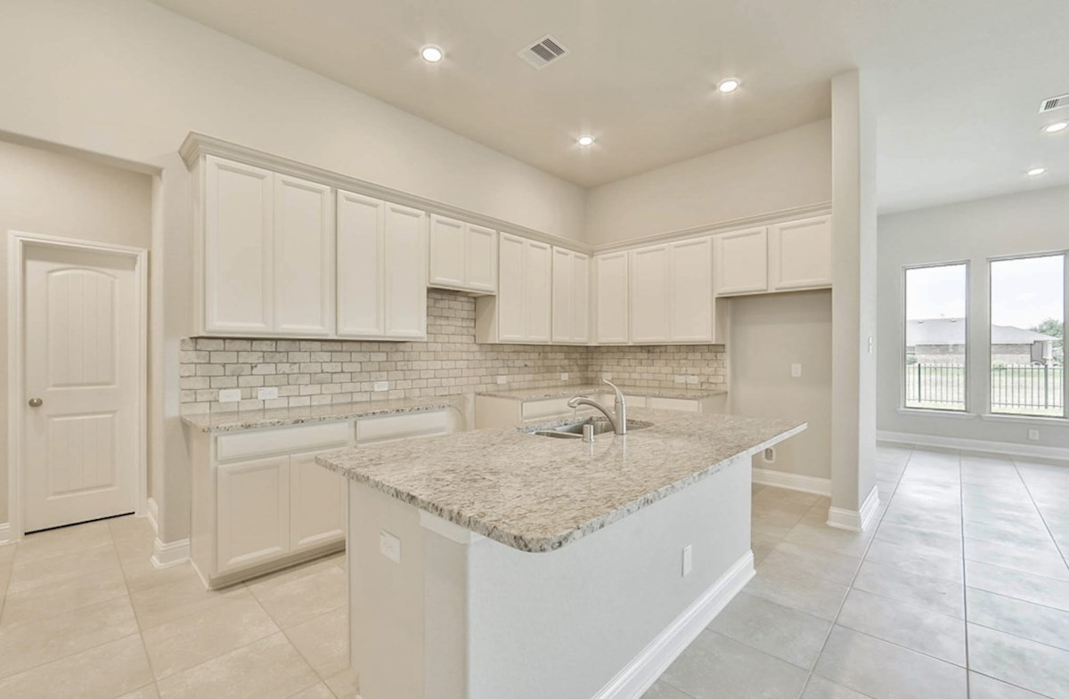 Galveston quick move-in open kitchen with granite countertops