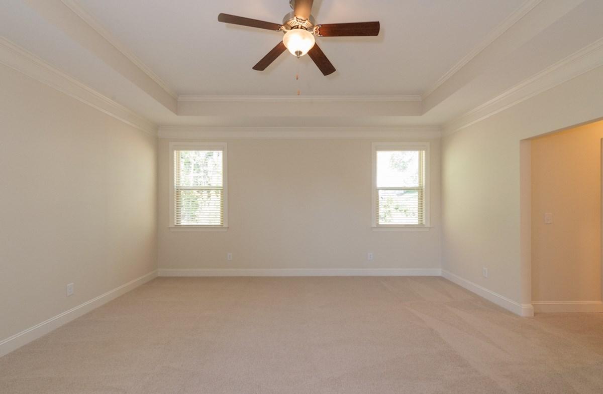 Aspen II quick move-in spacious master suite