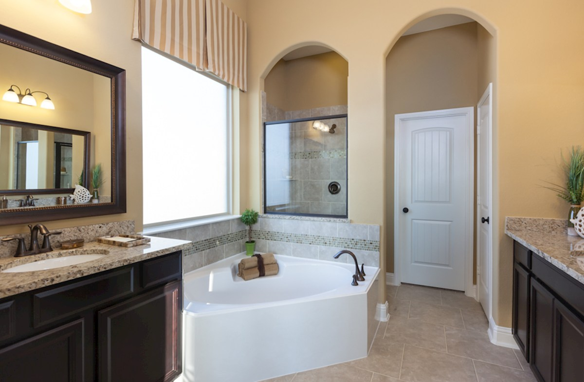 Bluewater Lakes  Galveston master bathroom