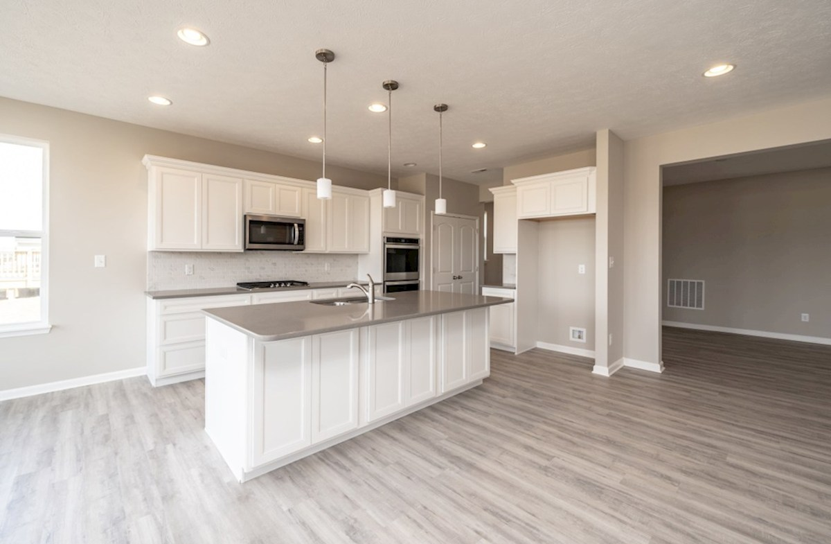 Greenwich quick move-in kitchen with stainless steel appliances