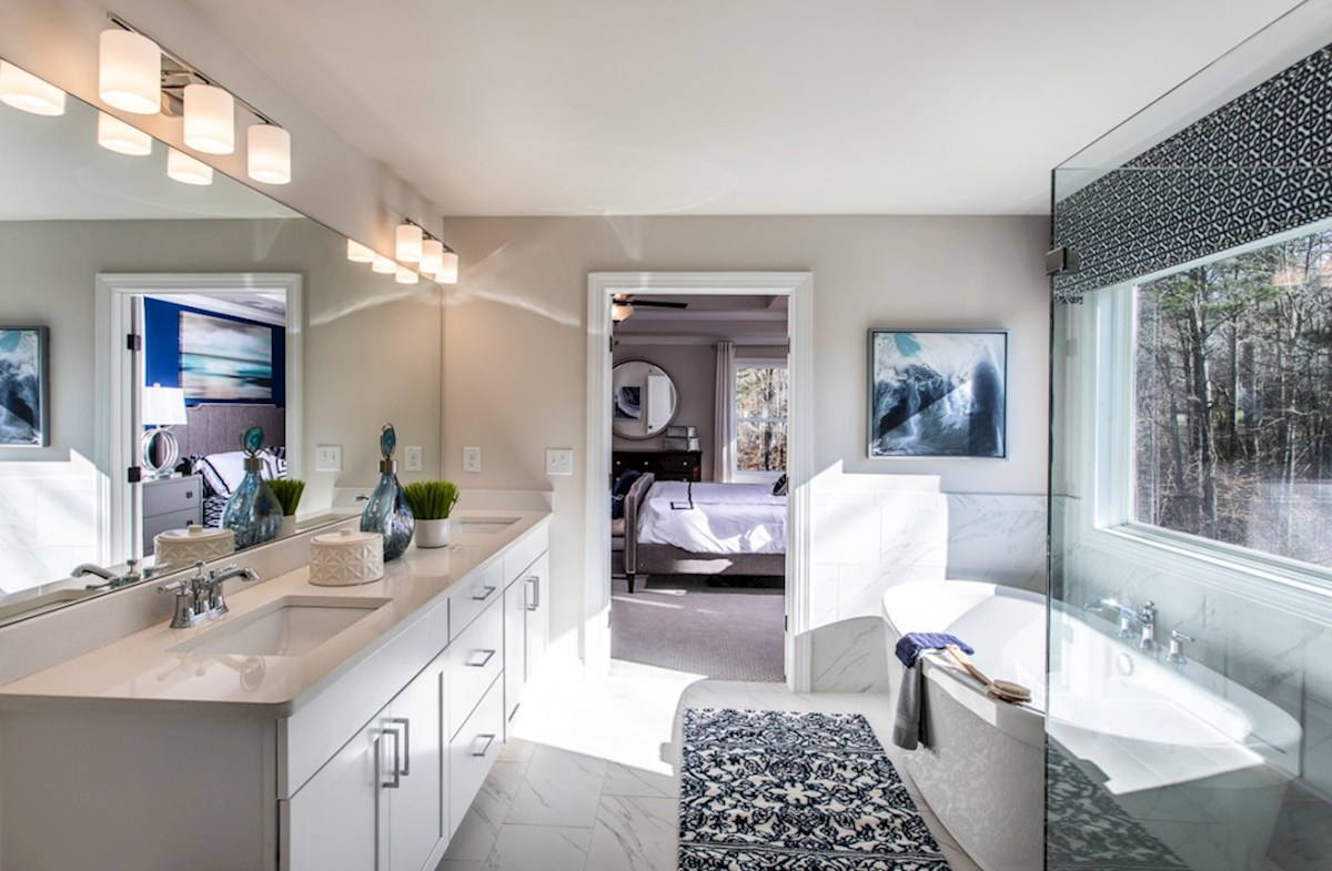 Vinings Summit Brentwood Brentwood Master Bath with soaker tub