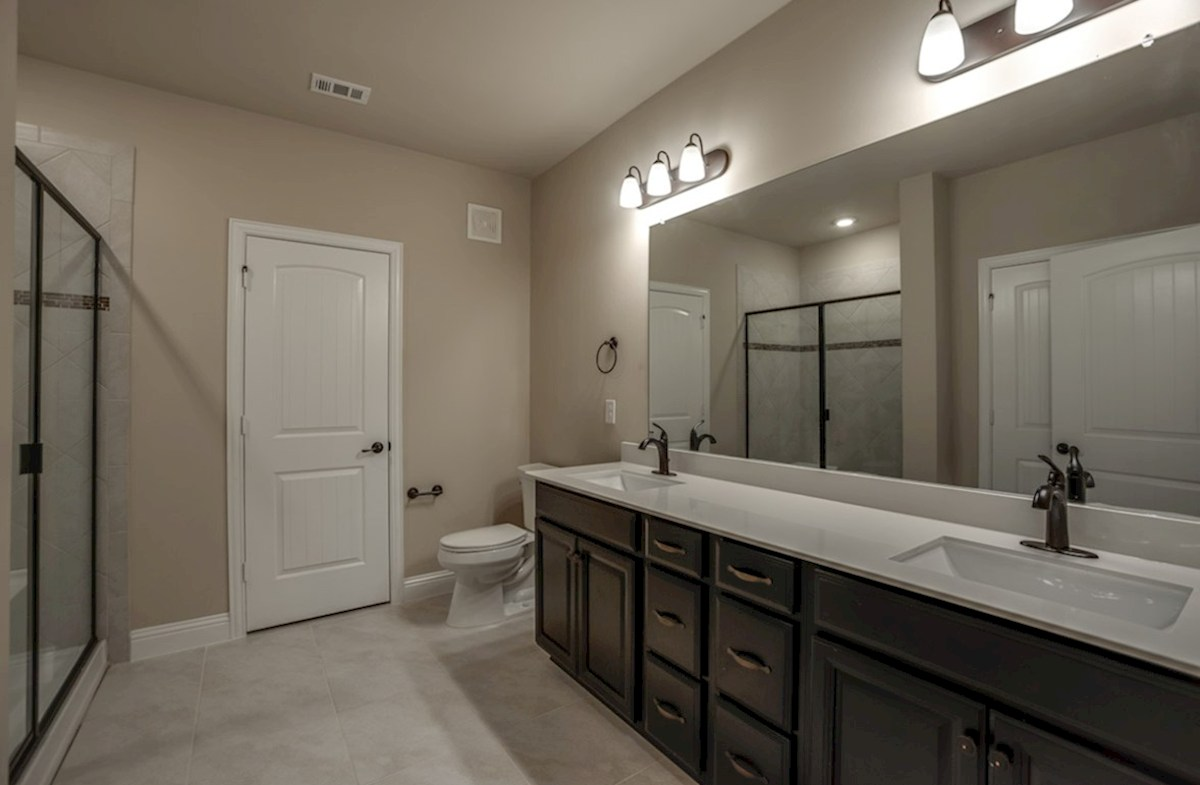 Sherwood quick move-in Sherwood Master Bathroom