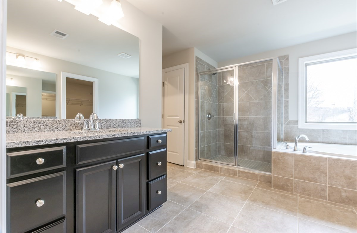 Callaway quick move-in Master Bath with dual sinks