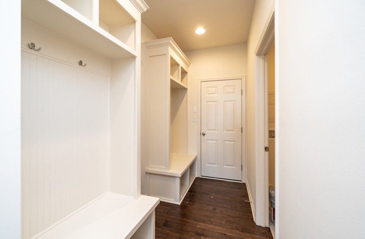 Greenwich quick move-in mud room with coat rack