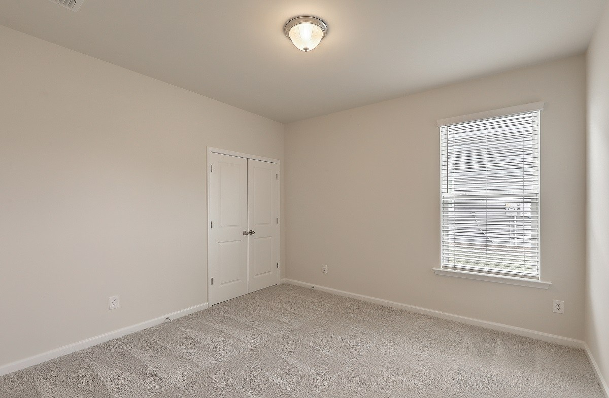 Franklin quick move-in cozy secondary bedroom