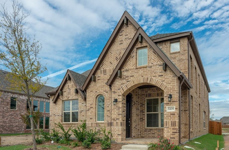 Brazos Elevation English Revival L quick move-in