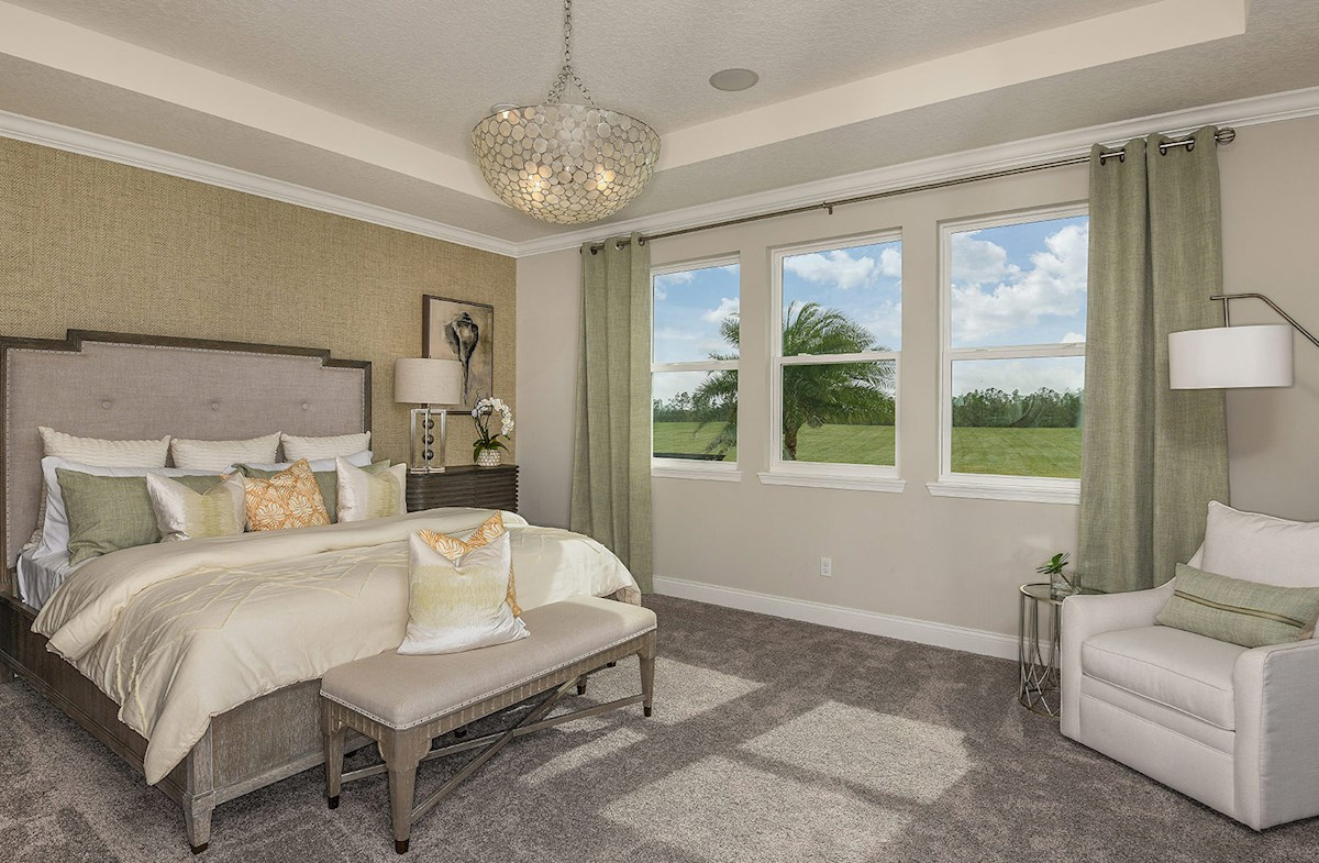 Windermere Isle Luciana spacious master bedroom