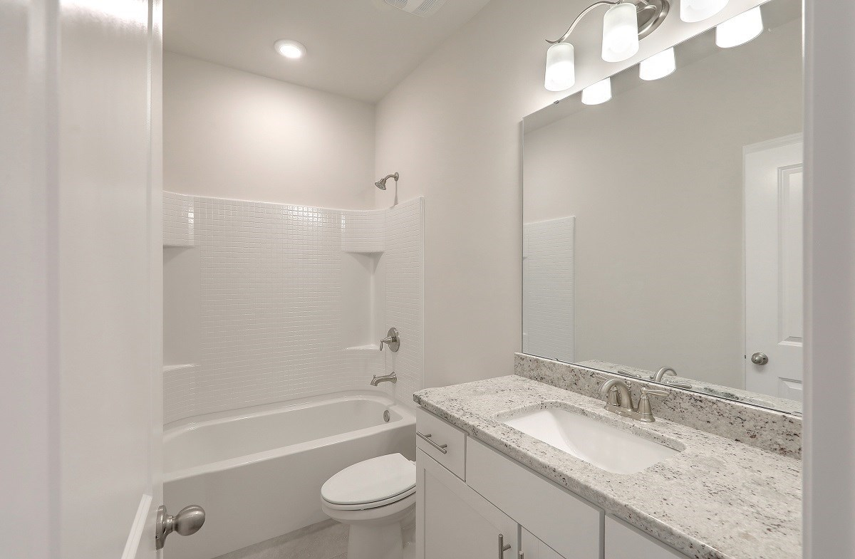 Sycamore quick move-in well-appointed secondary bathroom