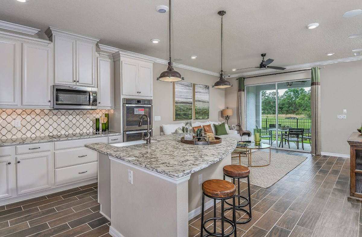 Kemerton Place Key West (End) Open kitchen and great room with dining space