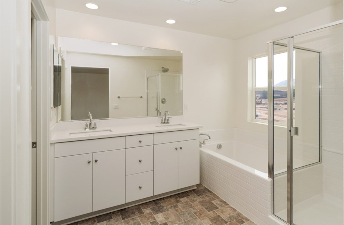 Paxton quick move-in Paxton master bathroom