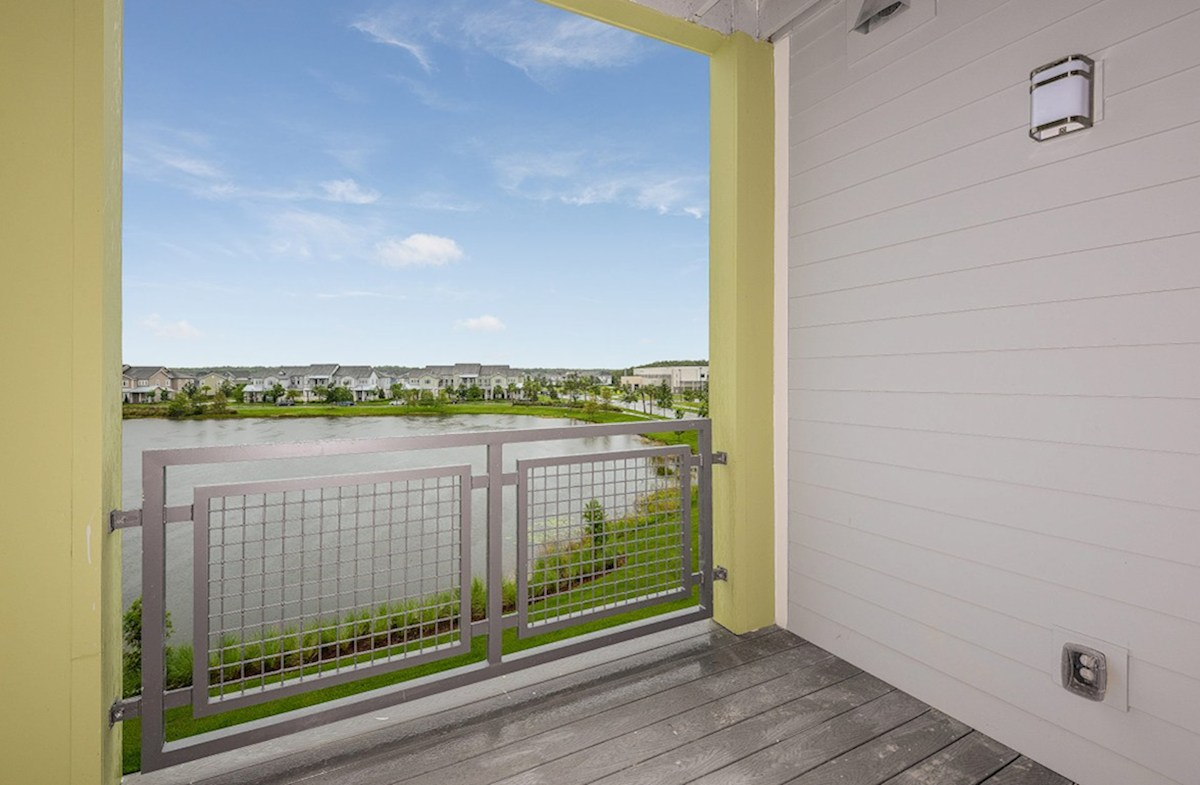 Chestnut quick move-in balcony lake view